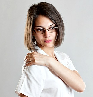 Shoulder Pain After Laparoscopy Causes And Treatment